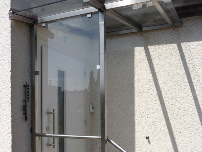 metall und glas f r balkon terrasse und windfang in. Black Bedroom Furniture Sets. Home Design Ideas